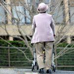 老人性(加齢性)難聴の放置は認知症を併発する恐れがあります